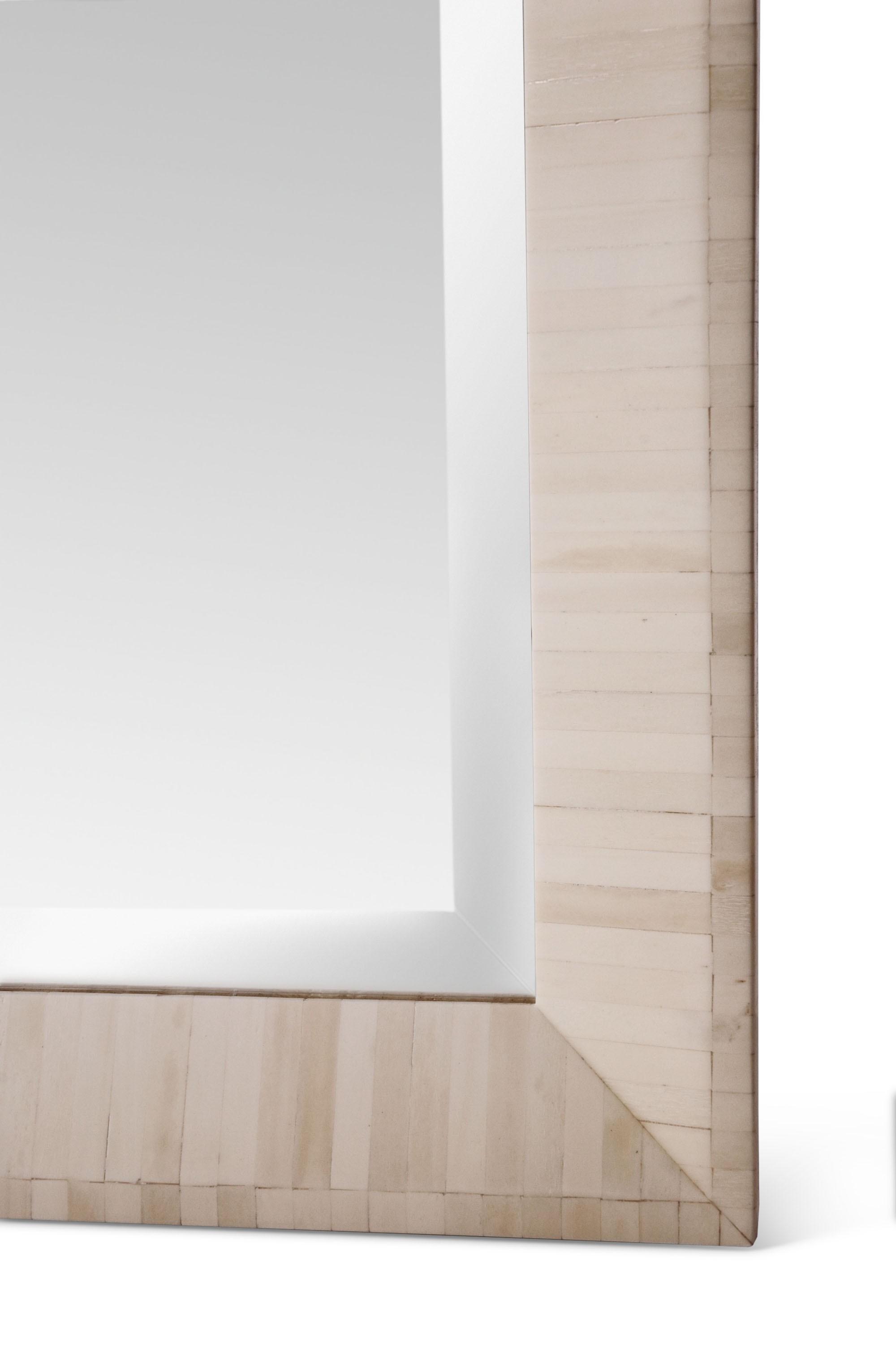 Moldura de Espelho MATTEO